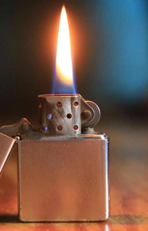 zippo-fire-flame-petrol-lighter